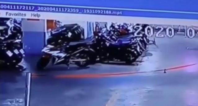 Seram! Sepeda Motor Bergerak Sendiri Terekam CCTV di Parkiran Basement