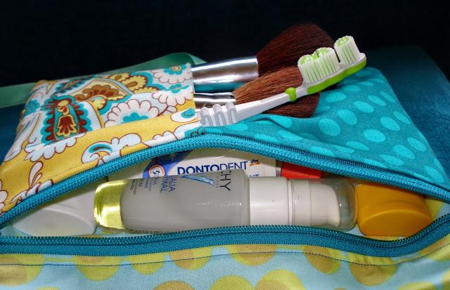 LAVERDE Kosmetiktasche mit Pinselfach, Reißverschluss und vielen Fächern, Kulturtasche, Kulturbeutel