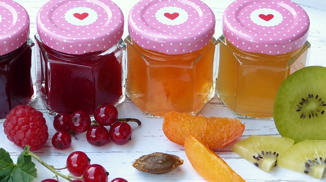 jam jars with heart lids