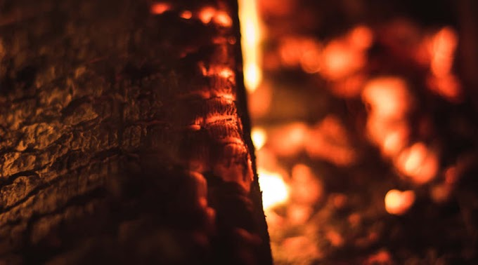 Kigyulladt egy kéménybe épített gerenda Békéscsaba közelében