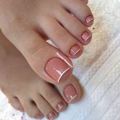 unhas decoradas do pé com inglesinha