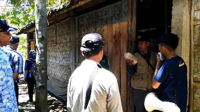Pak Suparno anggota BPD menanyakan HPP satu baglog dan berat hasil jamur per baglog