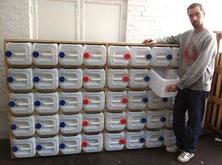 Cajones realizados con bidones de plastico reciclados