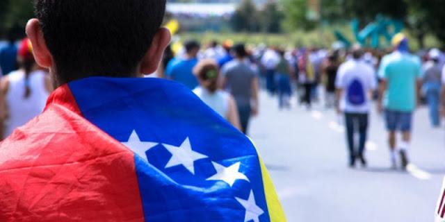 """El """"golpe muy bajo"""" que sienten opositores venezolanos tras las denuncias de corrupción"""