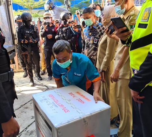 36.920 Vial Vaksin Covid-19 Tiba di Kota Padang