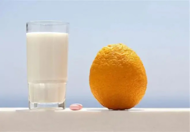 Do not drink milk and sour fruit together. Photo: Internet.
