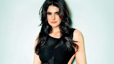Zareen Khan did a tremendous dance in black dress