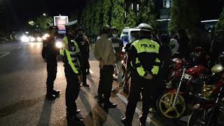 Malam Minggu, Pawas Polres Sinjai Pimpin Patroli Dan Pendisiplinan Prokes
