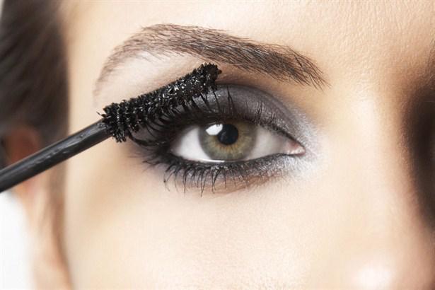 Farmasi Ile Güzel Gözler Için Makyaj Sırları Farmasi Direktörü Başak