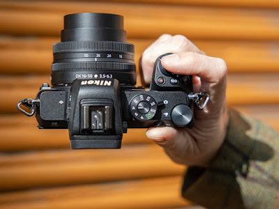 Nikon-Z50-Kamera-Mirrorless-yang-Cocok-untuk-Traveling