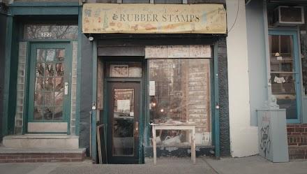 NYCs ikonischer Stempel-Shop im Kurzclip | Liebevolle Doku über ein lokales Wahrzeichen |  Peek Inside NYC's Iconic Rubber Stamp Shop