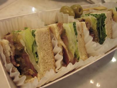 Paris Baguette, sandwiches