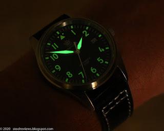 SteelDive SD1940 Pilot watch lume shot