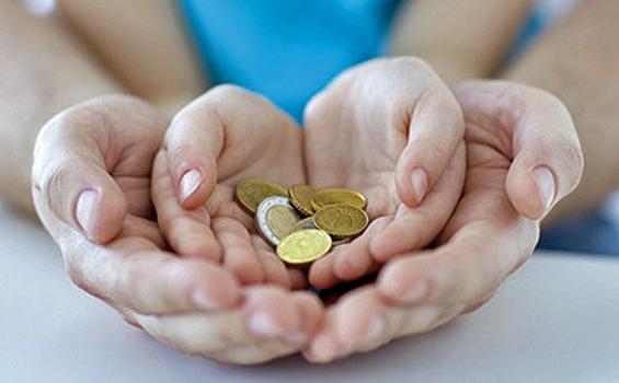Ada Waktu Sendiri Beri Uang Jajan Bulanan Anak, Ibu Harus Tahu Ya!