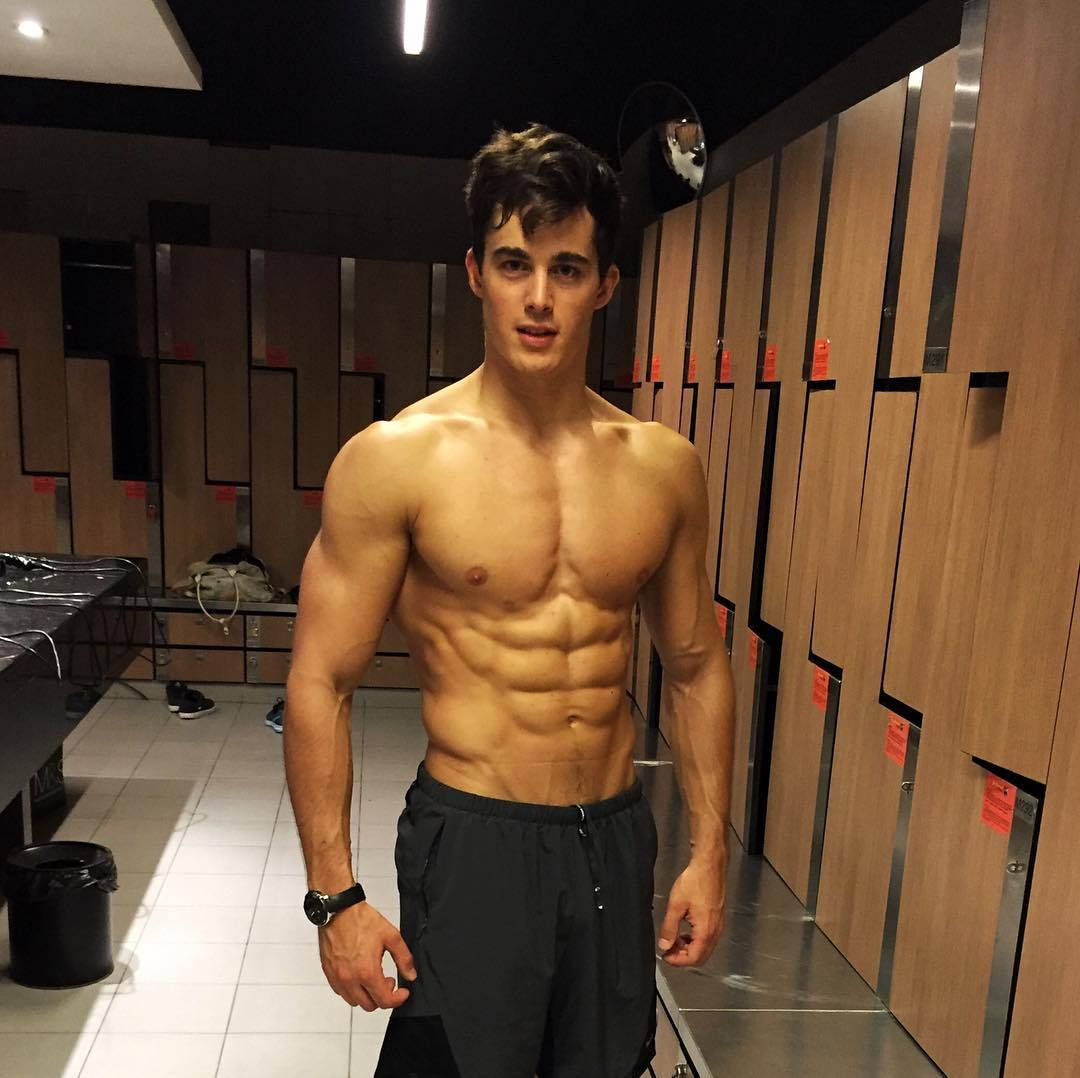 fit-shirtless-muscular-locker-room-hunk-pietro-boselli-ripped-abs