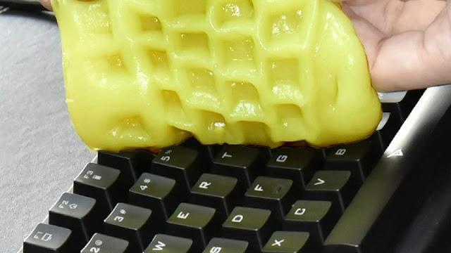 Begini Cara Bersihkan Keyboard Laptop Kamu Yang Berdebu