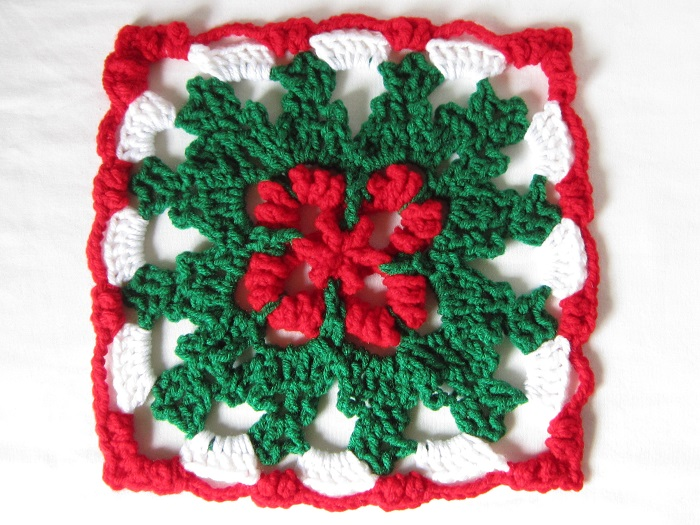crochet pattern, Holly Holiday Table Runner