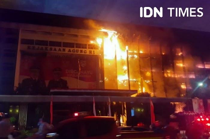 Gedung Terbakar, Ini Deretan Kasus yang Sedang Ditangani Kejagung: Jiwasraya sampai Djoko Tjandra