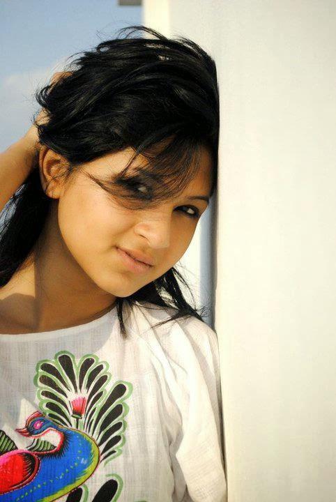 Bangladeshi Actress Orchita Sporshia Short Biography & Pictures 15