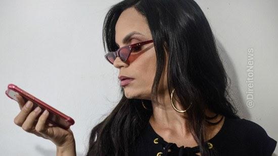 juiza instagram reativar conta influencer lgbtqia