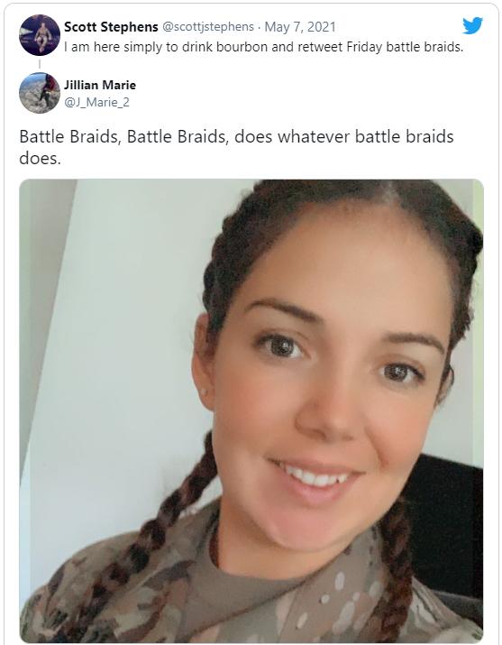 Жінкам в армії США дозволили заплетати коси