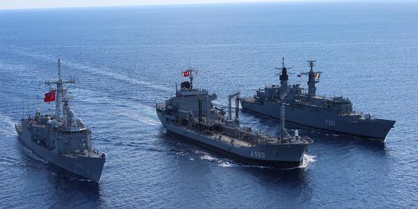 Τουρκικά πολεμικά σκάφη καταδίωκαν κυπριακά αλιευτικά για 25 λεπτά - Τους σημάδεψαν με όπλα!
