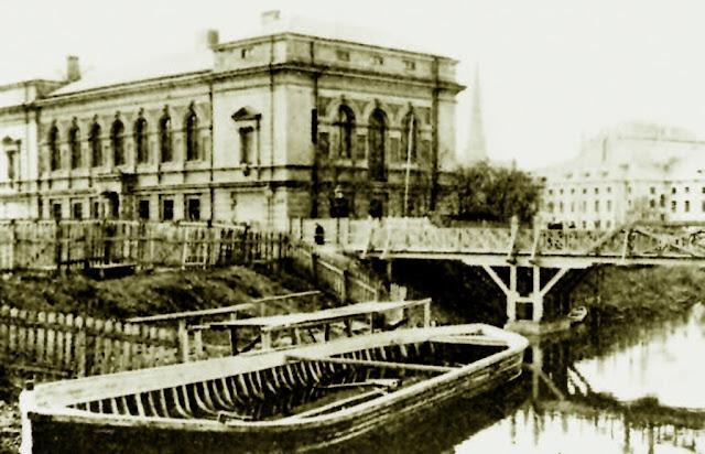 Здание Рижского гимнастического общества на Николаевском бульваре. Построено в 1880 г. в стиле итальянского ренессанса