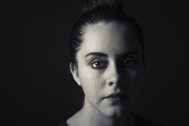الحزن - صور حزينة - الإكتئاب - بنت حزينة