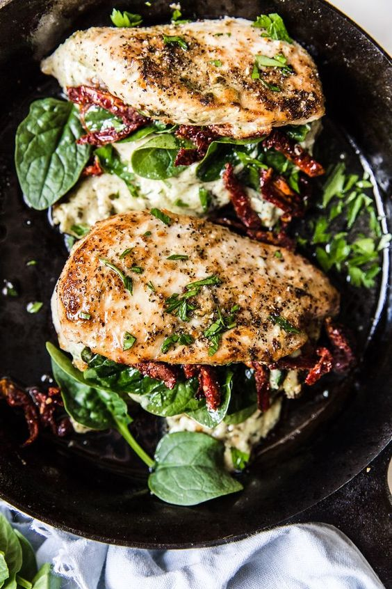 Stuffed Chicken Breast with Spinach, Cheese and Sun-Dried Tomatoes #recipes #healthychicken #chickenrecipes #healthychickenrecipes #food #foodporn #healthy #yummy #instafood #foodie #delicious #dinner #breakfast #dessert #lunch #vegan #cake #eatclean #homemade #diet #healthyfood #cleaneating #foodstagram
