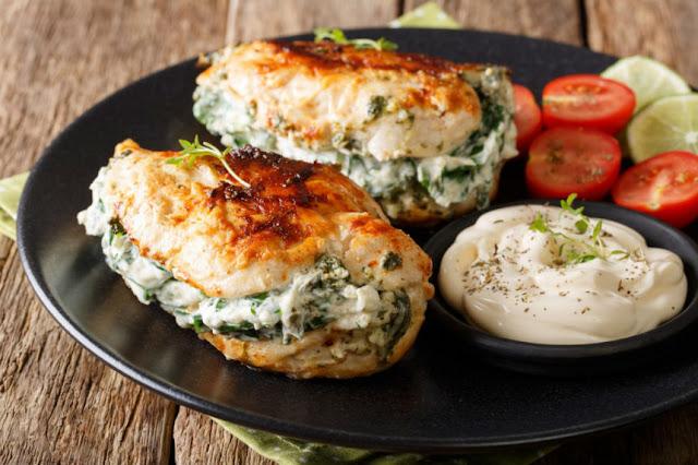 pechuga de pollo rellena con queso y brocoli