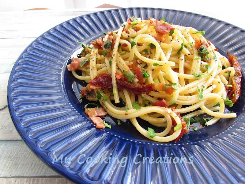Спагети със сушени домати и бекон * Spaghetti con pomodori secchi e pancetta croccante