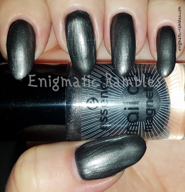 Swatch-Essence-Hex-Hex!-Magnetic