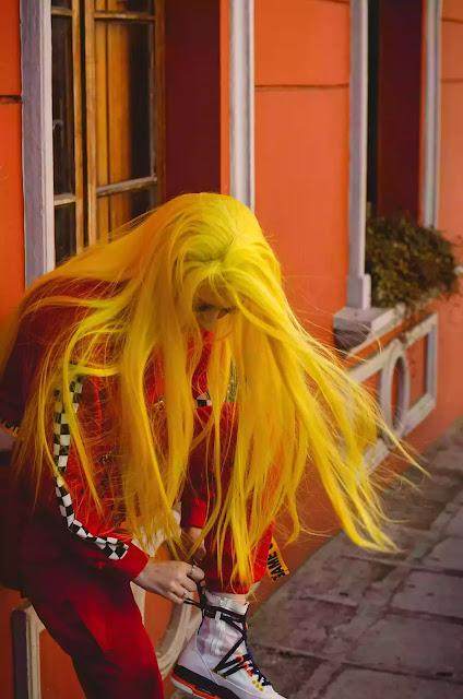 Yellow Hair to dye