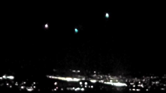 Tres luces sobre Yakima, Washington, mayo de 2021