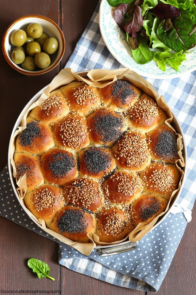 Danubio salato farcito con formaggi e olive