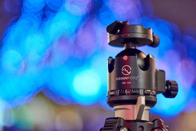 Sunwayfoto XB-44DDHi Sunwayfoto XB-44DDHi con abrazadera panorámica superior