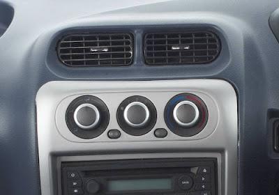 Maruti Suzuki Omni ac in car pictures