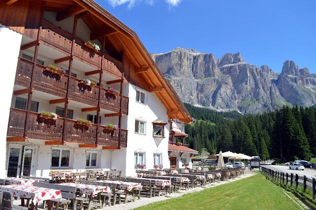 hotel trentino con escursioni guidate dolomiti walking