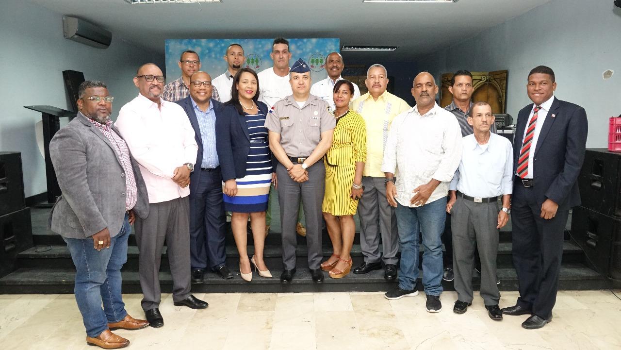 Policía Nacional y líderes de SDO se unen para solucionar problemas con antisociales de esa demarcación