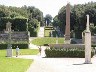 مسلة الملك رعمسيس الثاني الموجودة بإيطاليا