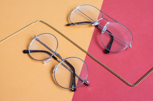 5 things to consider when choosing your travel eyeglasses