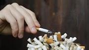 Merokok itu bahaya tetapi mengapa orang yang merokok terkadang berumur panjang?