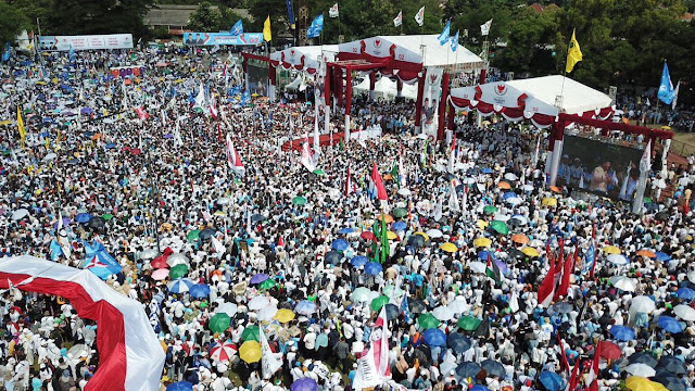 Prabowo Tutup Kampanye Terbuka di Solo: Kita Sudah di Ambang Kemenangan