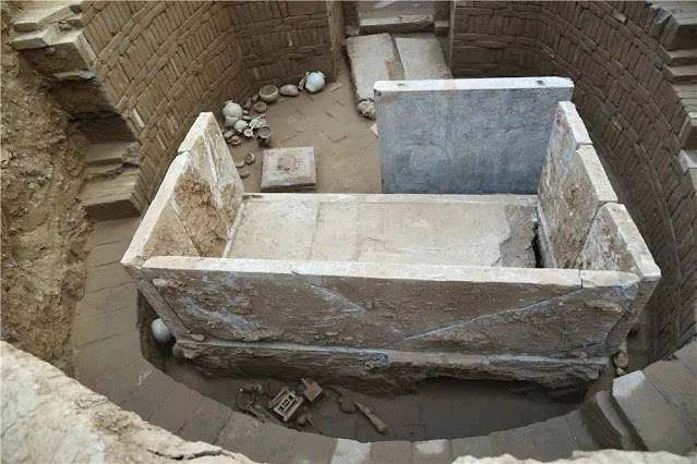 1,400-year-old tomb with white marble sarcophagus bed reveals religious exchanges on Silk Road
