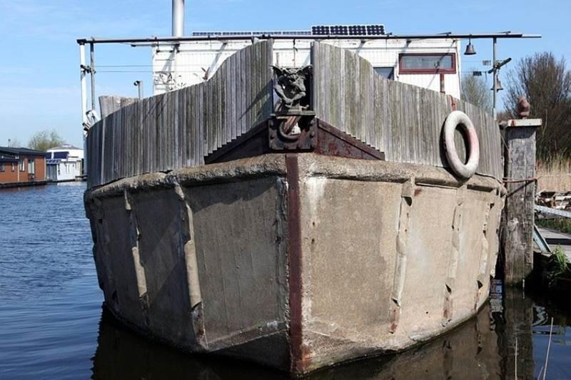 concrete warship, ferro cement barge, cement vessel, concrete hull sailboat, concrete yacht, concrete barge
