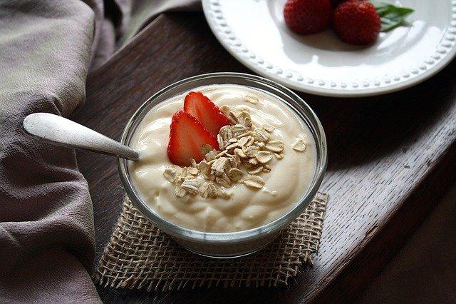 Mengenal Beragam Manfaat Yogurt Bagi Kesehatan