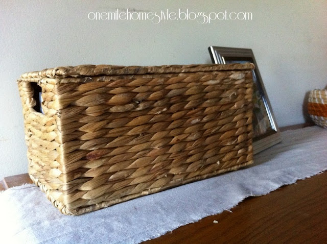 Lidded basket to store DVDs