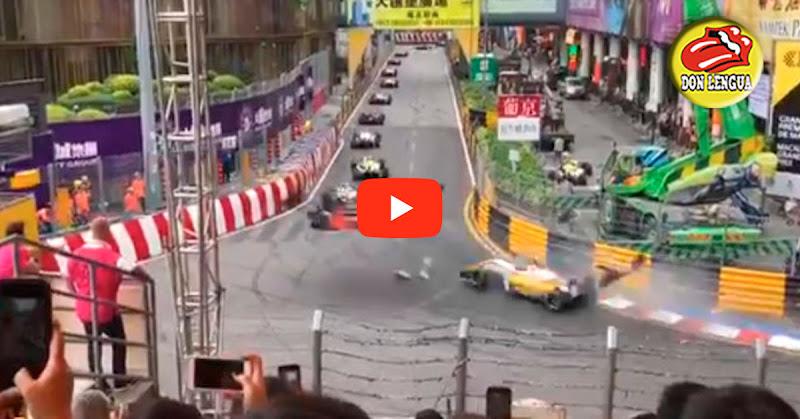 Vehículo de carreras voló sobre la pista y se estrelló dejando 4 heridos