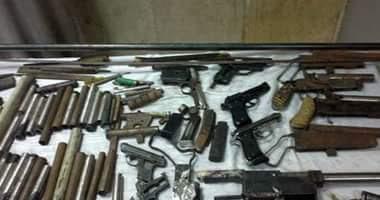 القبض على عاطل بحوزته أسلحة نارية ومخدرات ببنى سويف