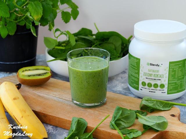 Zdrowy zielony koktajl